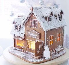 gingerbread house www.gingerbreadjournal.com Make A Gingerbread House, Gingerbread Village, Gingerbread Decorations, Gingerbread Cookies, Christmas Cookies Gift, Christmas Treats, Holiday Baking, Christmas Baking, Winter Desserts