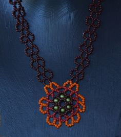 Sunflower Beaded Necklace Pattern by Cecilia Rooke at Bead-Patterns.com