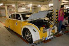 Est, Vintage Cars, Trains, Classic Cars, Bike, History, Vehicles, Design, Beauty