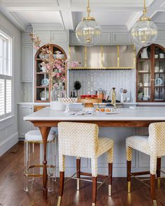 Home Decor Kitchen, Kitchen Living, Kitchen Interior, New Kitchen, Home Kitchens, Kitchen Design, Kitchen Ideas, Elegant Kitchens, Beautiful Kitchens