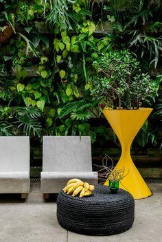 Na websérie 'Tutorial Casa e Jardim', a redação da revista e do site ensina você a decorar a sua casa e o seu jardim com criações simples e fáceis. Neste episódio, a estagiária de texto Marina Paschoal mostra o passo a passo de um pufe feito com pneu e corda. Simples, fácil e lindo.