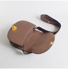 Overview:  Design: Genuine Leather vintage handmade shoulder bag crossbody bag handbag In Stock: 3-5 days to process orders Include: AShoulder Bag Custom:None Material: Cowhide Measures: L 22cm × H 17cm × T 8cm Weight: 0.68kg Shipping: $19 Post 7-14 Days / $30 Express 5-8 Days Slots: 1 mainslot, 1 inner slot, 1