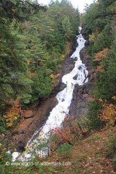 Chutes de Sainte-Ursule near Louiseville, Quebec, Canada Canada, Largest Countries, Quebec, Waterfalls, North America, Trail, Country Roads, River, Landscape