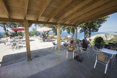 Bar Restaurante - Camping Itxaspe Pergola, Outdoor Structures, Bar, Restaurants, Outdoor Pergola, Arbors, Pergolas