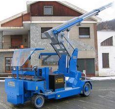 Minidrel Gruniverpal, pojízdný jeřáb s max. Oil And Gas, Heavy Equipment, Patio Design, Minion, Crane, Trailers, Construction, Tools, Building