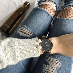Como usar meia arrastão com jeans rasgado