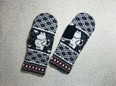 Hand-made adult mittens with moomin pattern by LanaNere on Etsy Knitting Charts, Knitting Patterns, Part Of Hand, Mittens Pattern, Knitting For Kids, Mitten Gloves, Beautiful Hands, Knit Crochet, Diy And Crafts