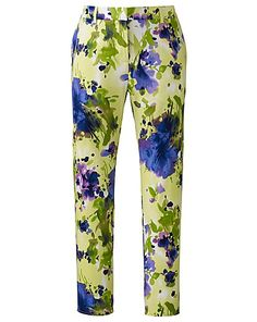 #SpringatSimplyBe Cropped Floral Print Trousers http://www.simplybe.co.uk/shop/cropped-floral-print-trousers/pk200/product/details/show.action?pdBoUid=7985