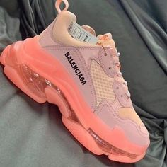 Shoes Idea For You :- Wanderlust Fashion Sneakers Fashion, Fashion Shoes, Fashion Goth, Fashion Dresses, Runway Fashion, Fashion Trends, Jimmy Choo, Christian Louboutin, Nike Air Shoes