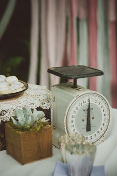 Heading to a flea market or thrift store is a great way to obtain unique decor items for your #vintage inspired day. #weddings #vintagewedding