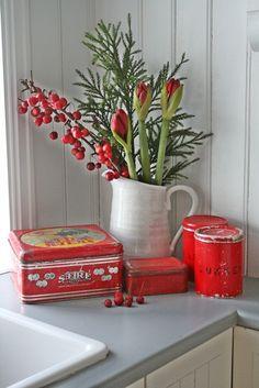 VIBEKE DESIGN: Noe gammelt,slitt og rødt ,som gjør meg glad!