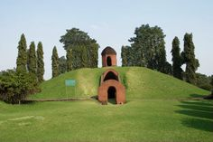 Charaideo Maidams in Assam-A place for ancestral gods of the Ahoms, it is the burial ground of kings and queens. Also called the 'Pyramids of Assam', it is compared to the Pyramids of Egypt