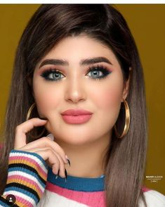 Industry Experts Give You The Best Beauty Tips Ever – Lazy Days Beauty Beautiful Girl Photo, Beautiful Women Pictures, Beautiful Girl Indian, Beautiful Indian Actress, Lovely Eyes, Beautiful Hijab, Beautiful Gorgeous, Beauty Full Girl, Beauty Women