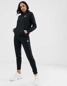 Shop the latest Nike black essentials hoodie trends with ASOS! Free delivery and returns (Ts&Cs apply), order today! Black Nike Tracksuit, Asos, Nike Outfits, Casual Outfits, Lazy Outfits, Fashion Outfits, Swag Outfits, Casual Dresses, Outfits