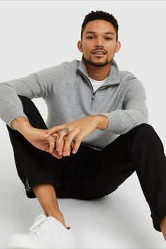 Classic hoodie ease meets ultra--A cashmere softness. Made a cashmere to trap warmth throughout even the coldest months. It's sleek fit and subtle contrast detailing keeps this style elevated whether worn over a tee-shirt or under a winter jacket. Cashmere Sweater Men, Zip Sweater, Outfit Grid, Home Outfit, Tee Shirts, Tees, Best Sellers, Heather Grey, Contrast