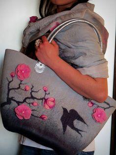 """Валяный комплект палантин и сумка """"Сакура цветет"""" - валяный палантин,валяный шарф"""