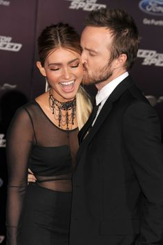 Pin for Later: Best of 2014: les 29 Moments les Plus Mignons du Tapis Rouge Lauren Parsekian et Aaron Paul à L'avant Première de Need For Speed