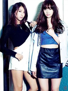 Black Knit Top Fashion of Sistar Bora in Crop Look