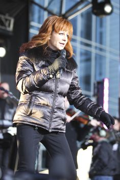 "Reba McEntire - Reba McEntire Performs On ABC's ""Good Morning America"""