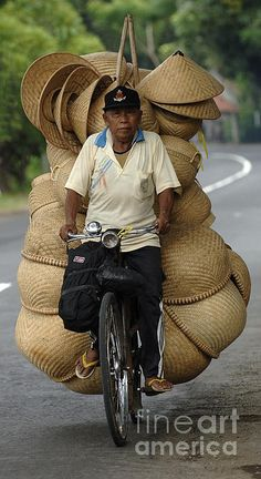 Faces of Bali - Peddling his goods