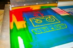 How we print multicolor blends of ink on the same screen.