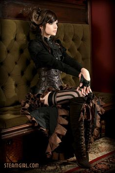 Needless to say, the steampunk interior design style certainly creates an entirely new look in a . These are a must for a steampunk bedroom. Steampunk Couture, Steampunk Mode, Viktorianischer Steampunk, Steampunk Clothing, Steampunk Fashion, Steampunk Lingerie, Steampunk Bedroom, Steampunk Interior, Steampunk Accessoires
