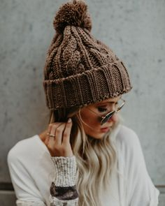 02786954a81 Картинки по запросу Fireside Cable Knit Pom Beanie - Charcoal Beanie  Outfit