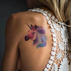 Вы зря являетесь мне ночью В доспехах с розой на коне Подруги о таком мечтают Я не  Я мечтаю о татушке с волшебным конем а вы о чем? #хочутату #unicorntattoo #татусединорогом #watercolortattoo by korizzashop