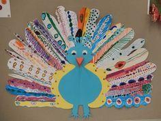 Trots als een pauw - groepswerk --> would be cute do make with popsicle sticks Peacock Crafts, Bird Crafts, Animal Crafts, Fall Crafts, Kids Art Class, Art For Kids, Crafts For Kids, Arts And Crafts, Collaborative Art