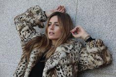 Abrigo de Conejo Animal Print. Animal Print Rabbit Coat. #coat #animalprint #abrigo #moda #fashion #peleteria #fur #chic #glamour #auroramaroto #basics #model #boutique