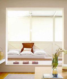 Si se dispone de licencia para alterar la fachada, los cerramientos son la opción idónea para ganar metros, modificar la distribución o para facilitar el paso de la claridad hacia zonas sin luz...