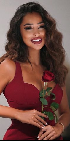 Edgy Outfits, Fashion Outfits, Model Poses Photography, Great Smiles, Photo Couple, Fashion Poses, Woman Crush, Hair Goals, Lady In Red
