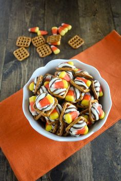 Candy Corn Pretzel Bites - The perfect way to use up leftover Halloween candy!