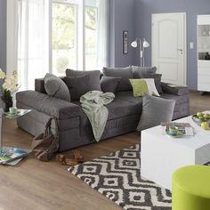 Mit diesem Sofa sorgst Du für mehr Gemütlichkeit in Deinem Wohnzimmer. Deiner Entspannung steht nun nichts mehr im Wege!