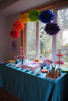 My Little Pony Birthday Party Ideas | Best Birthday Party Bolo My Little Pony, Fiesta Little Pony, My Little Pony Birthday Party, Rainbow Centerpiece, Rainbow Party Decorations, Hanging Decorations, Centerpiece Ideas, Birthday Decorations, Centerpieces