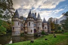 French castle Le Chateau de Vigny built in century is selling for million of dollars. The castle is built during 1504 in Vigny, just about 50 kilometers away from Paris. Beside the unique Abandoned Castles, Abandoned Places, Lyons La Foret, Val D'oise, French Castles, Château Fort, Casa Real, Beautiful Castles, Temples