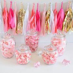 Kit ideal para organizar una Candy Bar de color rosa.