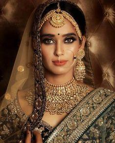 Sabyasachi Jewelry Indian Jewelry,Heavy Indian Bridal Jewelry Set,Kundan Jewelry Jewellery - New Ideas Bridal Makeup Looks, Indian Bridal Makeup, Indian Bridal Fashion, Bridal Beauty, Wedding Looks, Wedding Bride, India Wedding, Wedding Bells, Wedding Dresses