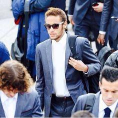 """""""MISSING THING⚠️ - - - 1 POINT @barcelona_wags_fans 1 POINT @neymarroar"""""""