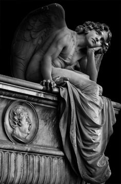 Giulio Monteverde and the Angel of the Night in Campo Verano.c Giulio Monteverde und der Engel der Nacht in Campo Verano. Cemetery Angels, Cemetery Statues, Cemetery Art, Cemetery Monuments, Monteverde, Angel Aesthetic, Aesthetic Art, Aesthetic Statue, Art Sculpture