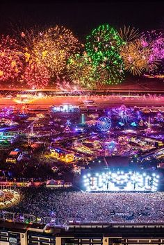 Stream Nostalgic Festival Mix by JUke from desktop or your mobile device Man Next Door, Edc Las Vegas, Fire Works, Happy Fourth Of July, 4th Of July Celebration, Types Of Photography, Light Painting, Nature Photos, Night Skies