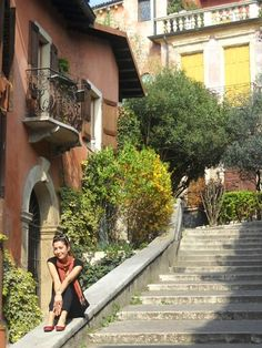 Verona Verona, Places To Travel, Sidewalk, Destinations, Side Walkway, Holiday Destinations, Walkway, Travel Destinations, Walkways