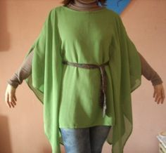 It´s a boubou? It´s a medieval man´s tunic?.. Guess it´s both ;O)