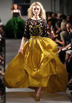 Oscar de la Renta, Spring 2012 -- so gorgeous. I Love Fashion, Passion For Fashion, High Fashion, Fashion Design, Nyc Fashion, Couture Fashion, Runway Fashion, Dressed To The Nines, Beautiful Gowns