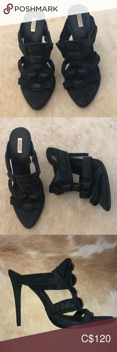 Size 9 made in Brazil Shoes Mules & Clogs Leather Clogs, Leather Slip Ons, Black Leather, Mule Sandals, Mules Shoes, Alegria Shoes, Pink Camouflage, Addition Elle, Black Mules
