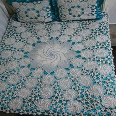 The Effective Pictures We Offer You About Disney Home Decor o Crochet Bedspread Pattern, Crochet Blanket Patterns, Crochet Motif, Crochet Doilies, Crochet 2017, Crochet Furniture, Handgestrickte Pullover, Lace Table Runners, Disney Home Decor
