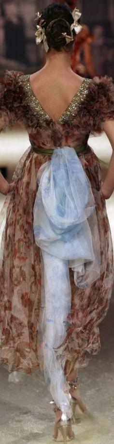 Christian Lacroix Haute Couture Spring-Summer 2006 Floral Fashion, Vintage Fashion, Fashion Design, Fashion Details, Cool Outfits, Fashion Outfits, Christian Lacroix, Turquoise, Costume Design