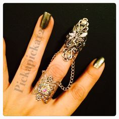 Items similar to Fairy Claw and ring or armor ring made in dull silver filigree and ab crystals. on Etsy Chain Rings, Armor Ring, Nail Ring, Jewelry Ideas, Unique Jewelry, Head Pieces, Silver Filigree, Claws, Jewlery