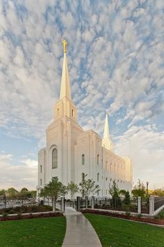 Mormon Brigham City Utah Temple Opens for Public Tours