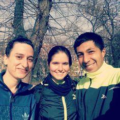 #DespiertayEntrena da gracias al clima por brindarnos estos días perfectos para #entrenar #parquedelretiro #Madrid #entrenamiento #deporte #despierta #entrena #Rutina #running #tonificación #Retiro